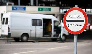 Kontrola autobusu z dziećmi trwała na granicy ponad dwie godziny