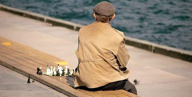 Samotność może zwiększać ryzyko chorób