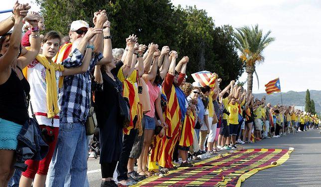 """Hiszpania - półtora miliona Katalończyków w """"łańcuchu rąk"""""""