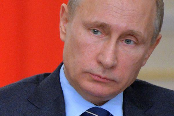 Zbigniew Brzeziński: należy przemieścić wojska do krajów bałtyckich, by powstrzymać inwazję Rosji