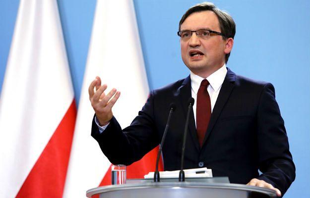 """Zbigniew Ziobro odpowiada komisarzowi UE. """"Nie mam Pańskiego tupetu"""""""