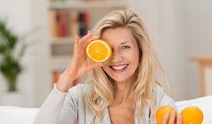 Dzięki odpowiednim kremom przeciwzmarszczkowym można opóźnić proces starzenia się cery