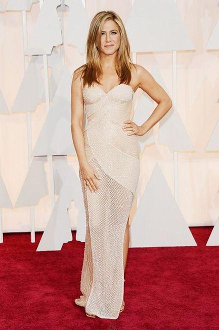 Jennifer Aniston (45 l.)