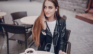 Czy keratynowe prostowanie niszczy włosy? Wszystko, co musisz wiedzieć o zabiegu