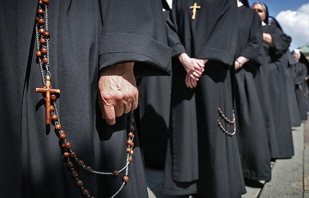 10,5 mln zł zniknęło z kont zakonu z Bydgoszczy. Duchowni mieli wydawać pieniądze na podróże i drogie sprzęty