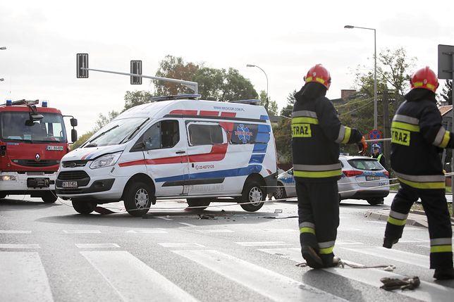 Warszawa. Kierowca audi potrącił mężczyznę na pasach. Spore utrudnienia