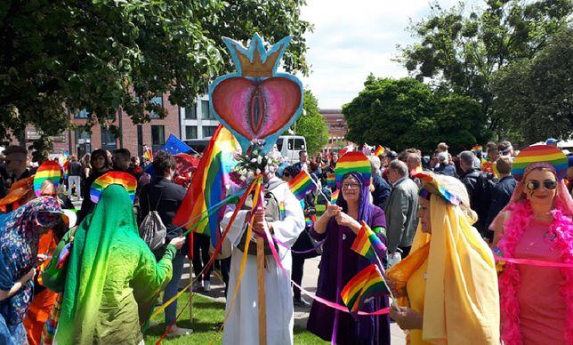 Wagina jako Najświętszy Sakrament na Marszu Równości.