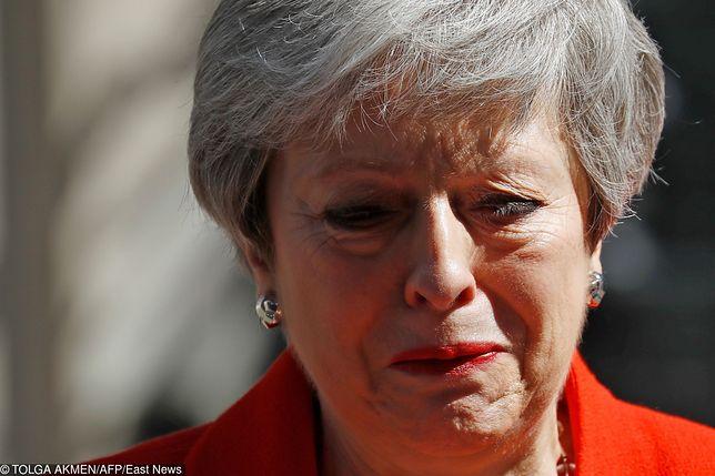 Theresa May zrezygnowała z przewodzenia partii Torysów