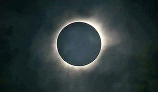 Zjawisko całkowitego zaćmienia Słońca zdarza się 1-2 w roku