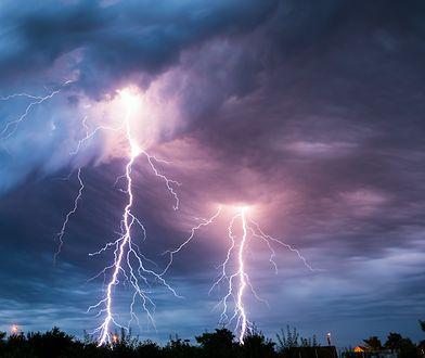 Wichury, ulewy i burze. Synoptycy szczególnie ostrzegają mieszkańców jednego regionu