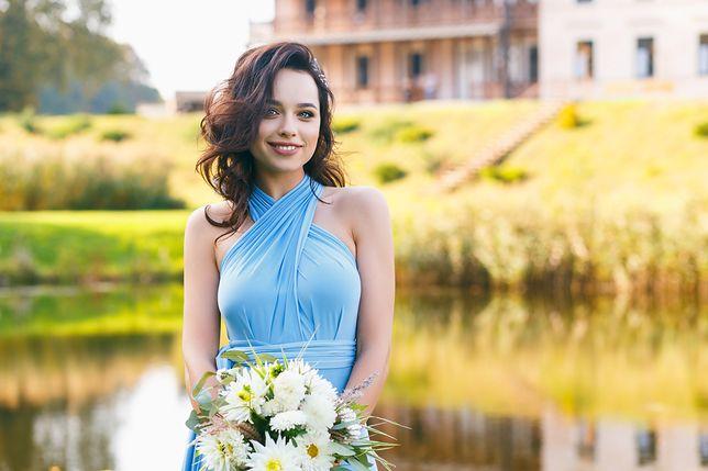 Sukienka na wesele powinna być skromna