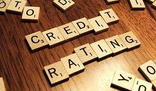 Złoty słabnie. Inwestorzy obawiają się obniżki ratingu Polski