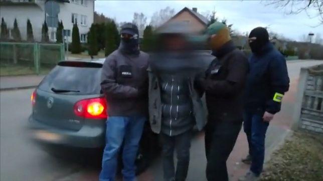 Policja ujawniła film z zatrzymanym ws. porwania 3-latki i jej matki