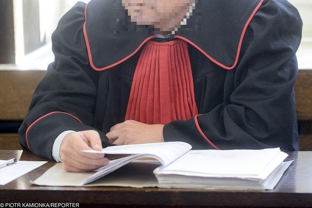 Prokurator z Częstochowy oskarżony o zlecenie pobicia. Wiadomo, kto miał skończyć na wózku