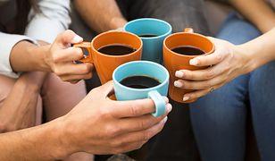 Kawa w kubkach