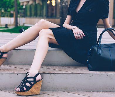 Do czego pasują sandały na koturnie? Jaki model wybrać?