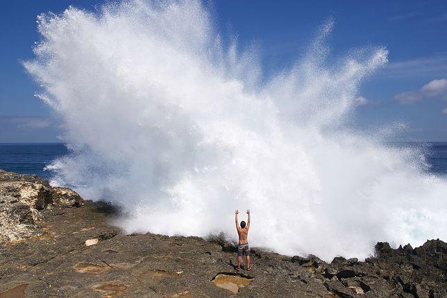"""""""Devil's Tear"""" to jedno z najniebezpieczniejszych miejsc do robienia zdjęć. Turystom to nie przeszkadza"""