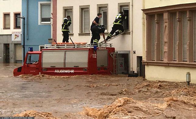 Niemcy i Belgia zmagają się z falą ulew i powodziami
