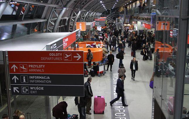 Nowa wieża kontroli lotów i powiększenie terminalu to najbardziej pilne inwestycje, które muszą zrealizować władze portu