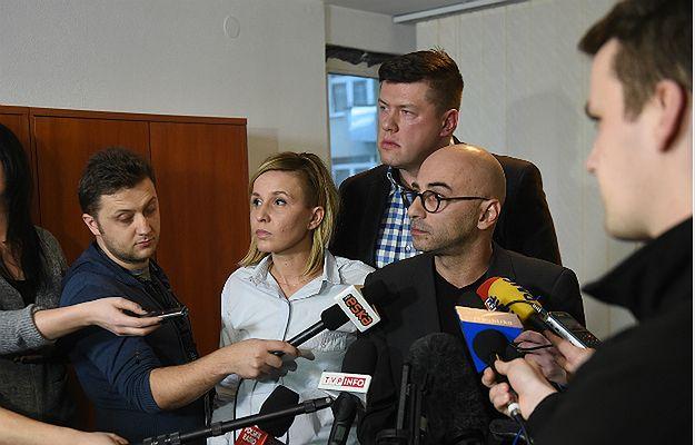 Oświadczenie KOD. Od lewej: Magdalena Filiks, Jarosław Marciniak oraz Radomir Szumełda