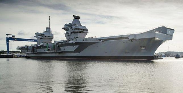 """""""Queen Elizabeth"""" - Royal Baby w Royal Navy"""
