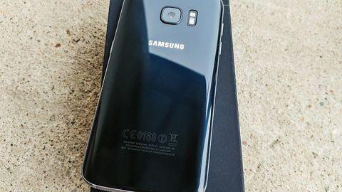 Samsung Galaxy S8: ekran zajmie cały przód, a DeX będzie namiastką PC