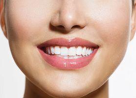 Błędy przy myciu zębów. Poznaj 5 najczęściej popełnianych pomyłek