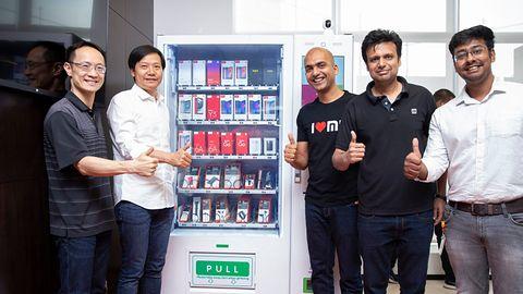 Mi Express Kiosk. Smartfony Xiaomi będą dostępne w automatach, jak batoniki