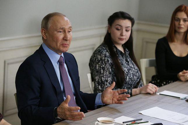 Władimir Putin na podchwytliwe pytania często odpowiada częściową zgodą