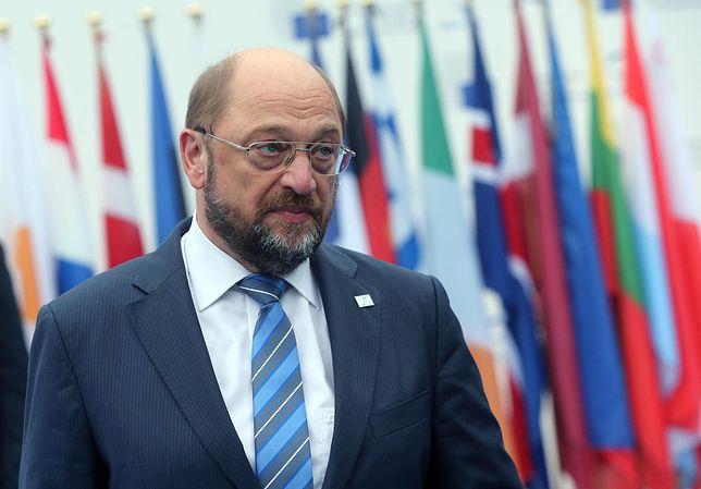 Schultz wzywa Niemcy do łamania postanowień szczytu NATO. Ostro także o Merkel