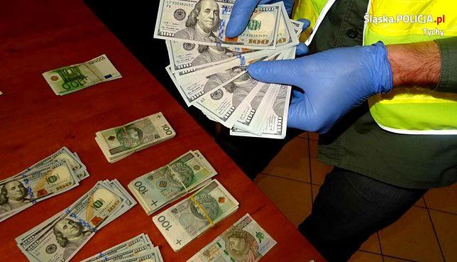 Tychy. Wnuczek nie miał litości dla dziadka i ukradł mu ponad 80 tysięcy złotych.