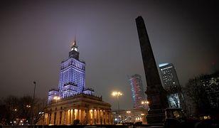 Trzaskowski: PKiN podświetlony na niebiesko, aby podkreślić związek z UE