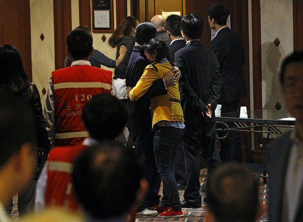 Bliscy pasażerów boeinga w hotelu w Pekinie