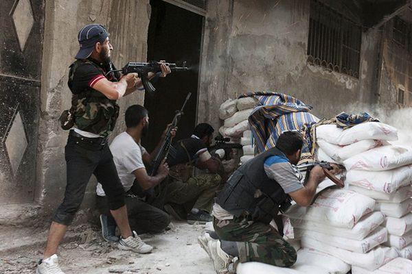 Syria: Klęska umiarkowanej opozycji. Przyszłość należy do islamistów