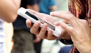 """""""Przestańcie robić ludzi w jajo"""". Internauci komentują sprawę """"bezpłatnego"""" roamingu"""