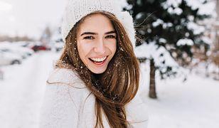 Sposób na piękne włosy zimą. Zobacz, jak je suszyć