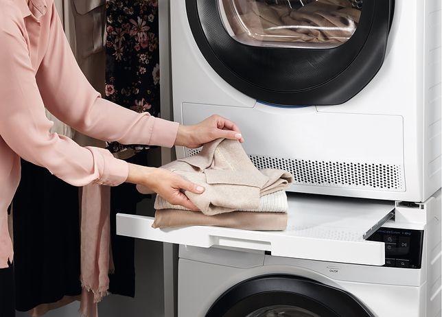 Ubrania i inne tekstylia po wypraniu wyciągamy jak najszybciej z pralki