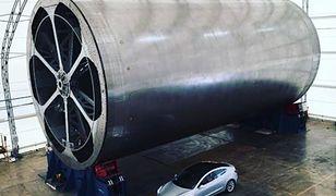 Tesla wydaje się przy niej malutka