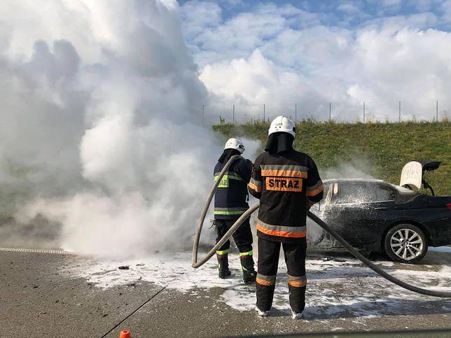 Pożar samochodu na autostradzie A1