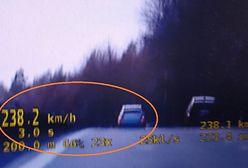 """Prawie 240 km/h na liczniku. Tłumaczył, że """"był mały ruch"""""""