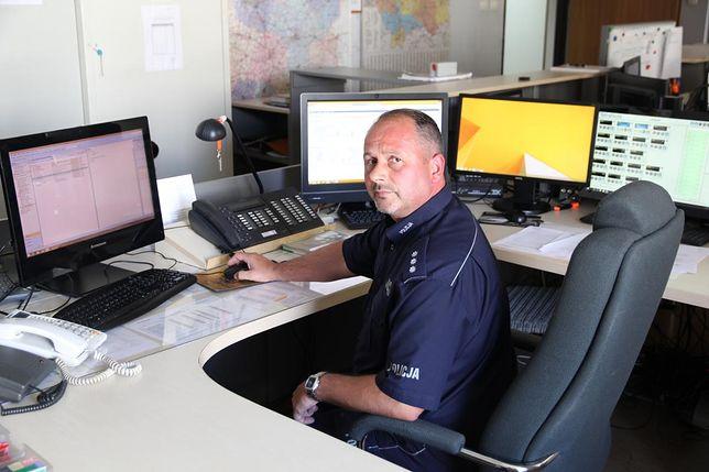 Oficer dyżurny kom. Paweł Ciuruś