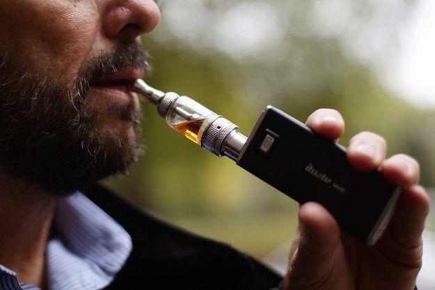 Nowe prawo dotyczące e-papierosów. Prezydent podpisał ustawę
