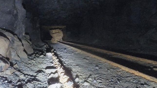 Lubań Korytarze wydrążone w bazalcie pod Kamienną Górą mają swoje tajemnice. Stowarzyszenie Miłośników Górnych Łużyc zorganizowało zbiórkę pieniędzy, która ma przynieść efekt w postaci wejścia do zasypanego tunelu, oczyszczenie go i udostępnienie zwiedzającym
