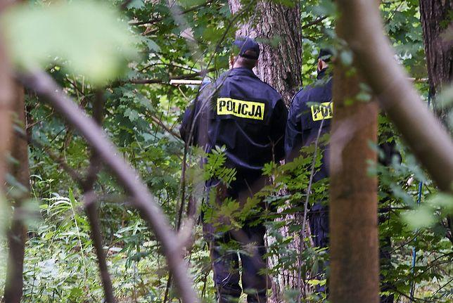 Zwłoki znaleziono przy kanale, który łączy dwa miejskie jeziora w Kartuzach