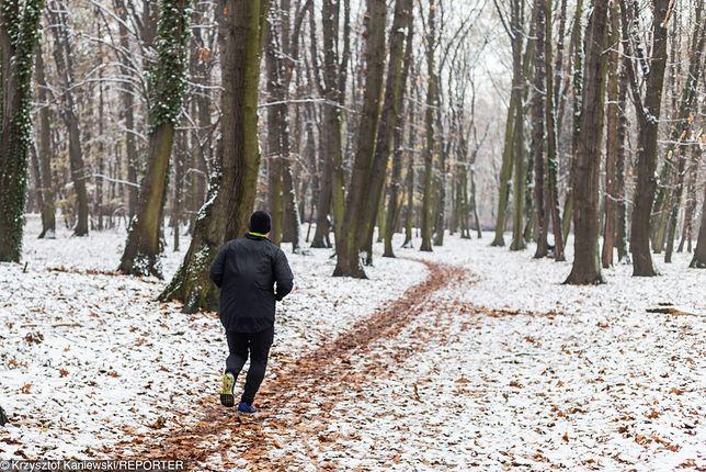 Mężczyzna twierdzi, że wielokrotnie biegał w tym miejscu i nigdy nic mu się nie stało