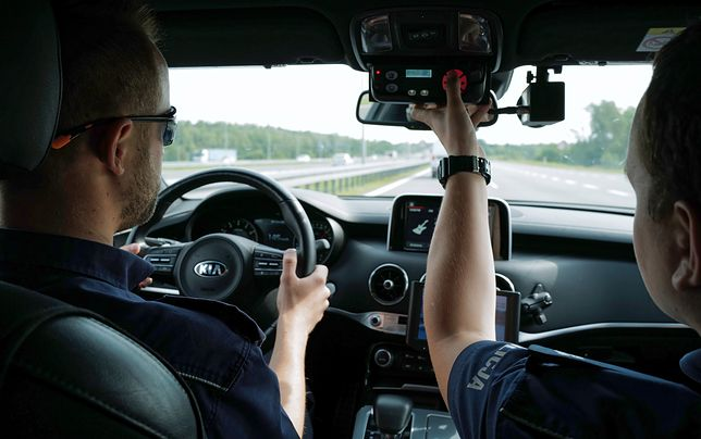 Warszawa. Policjanci z grupy Speed w ciągu dwóch tygodni zatrzymali ponad 100 praw jazdy