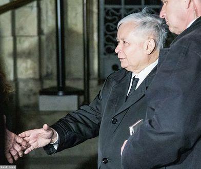 Jarosław Kaczyński na Wawelu. Odwiedził grób brata