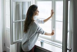 Jak uszczelnić okna na zimę? Kilka minut i po kłopocie