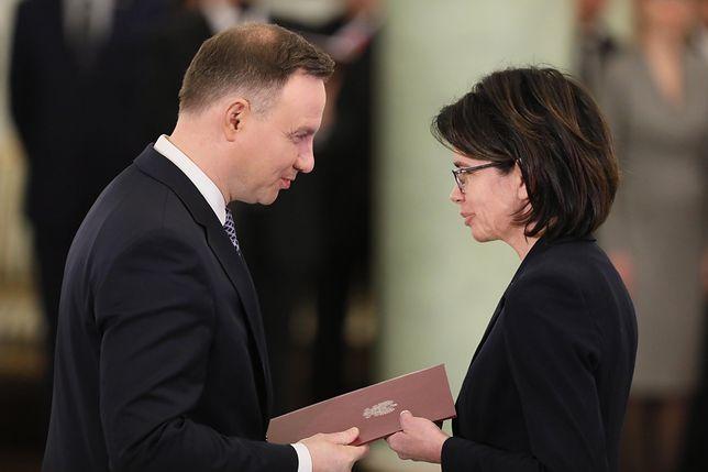 Prezydent wręcza akt nominacji Annie Steżyńskiej
