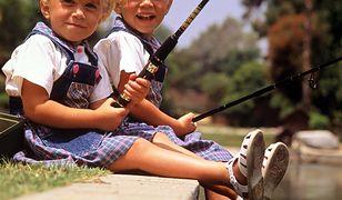 Mary-Kate i Ashley Olsen: co się stało z najsłynniejszymi bliźniaczkami show-biznesu? Dziś mało kto je rozpoznaje